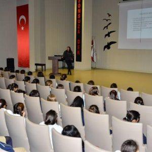 İSTEK'li Öğrenciler Ergenlik Seminerine Katıldı 2