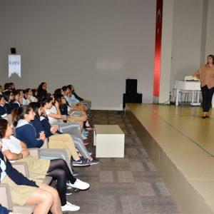 Uzm.Dr. Senem TURAN - Antalya Kolejinde Öğrencilere Ergenlik Semineri 3